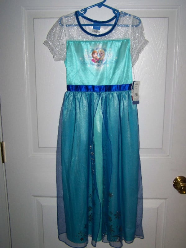 Fantasy Night Gown or Pretend Dress Up~Frozen~Girls 10~New 62d7703d-c84f-447c-acd5-4c7ae39dfe51