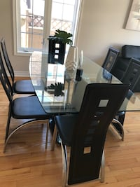 Dining Table Markham, L6E 0M7