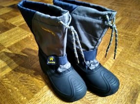 New Boy's Kamik winter boots Size 2