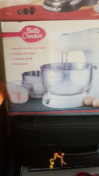 340-watt Betty Crocker stand mixer box Knoxville, 37921