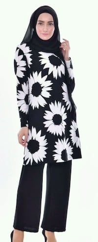 white and black floral print crew-neck shirt Duluth, 30096