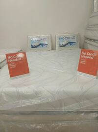 Serta outlet Store special Queen memory foam