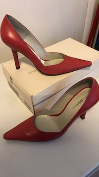 pair of red leather pointed-toe pumps New Carrollton, 20784