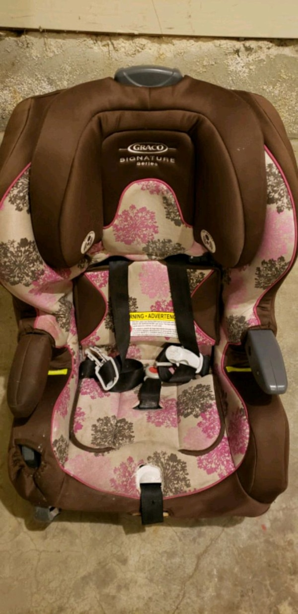 Gracco all-in-one Carseat (5lbs to 100 lbs) 91a4bf30-1907-4395-be56-553665c7360b