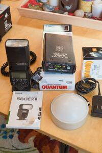 Canon 580ex2 flash w/Gary Fong and Quantum battery Bothell, 98208