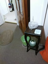 brown wooden side table Plymouth, 02360