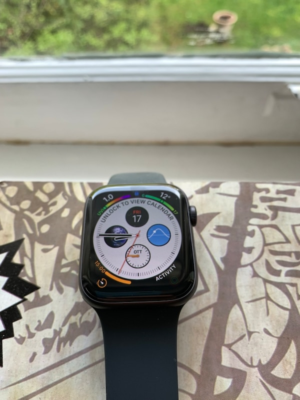 Brand new condition Apple Watch 4 44mm GPS