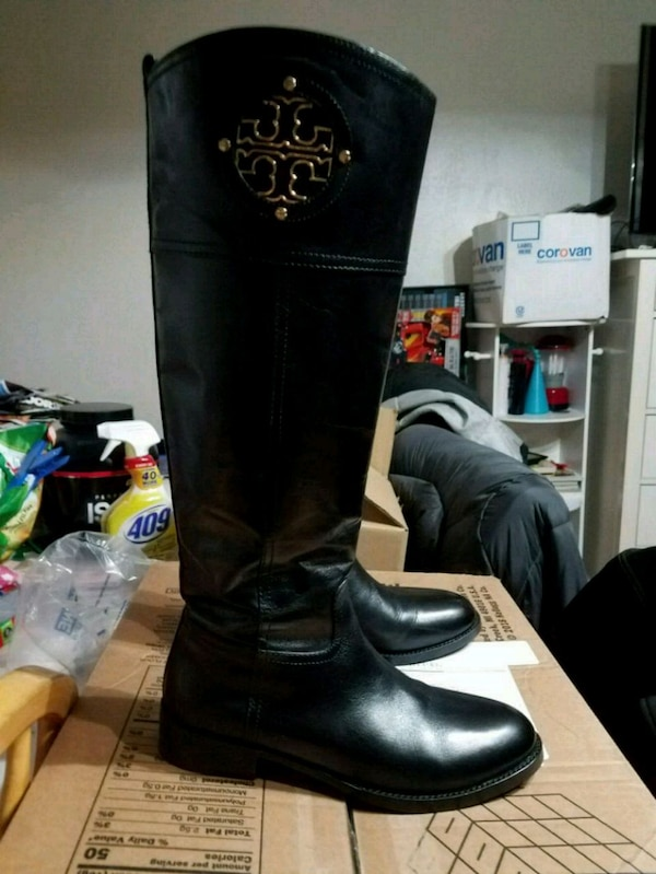 f182426d9a5c Authentic Tory Burch boots size 8 good condition