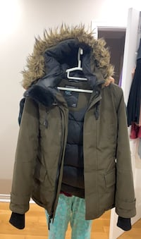 TNA winter parka - lightly used. Will sell dry cleaned Toronto, M9V 1W3