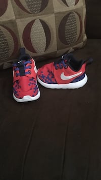 Toddler's Roshee Run Nike shoes Louisville, 40272