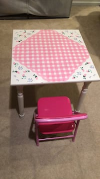table and chair pb kids Chantilly, 20152