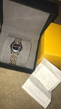 Fendi watch with receipt and box 8/10 condition Newmarket, L3Y 3R2