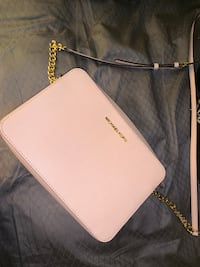 Michael Kors Small Purse Temple Hills, 20748
