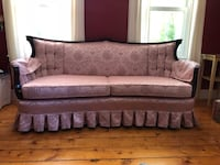 Antique upholstered sofa Marblehead, 01945