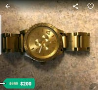 round gold-colored analog watch with link bracelet Garden Grove, 92840