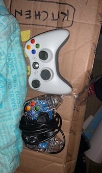 XBOX controllers x2