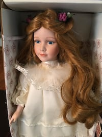 Vintage Butterfly princess porcelain doll with accessories Nashua, 03060