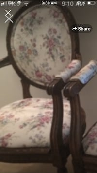 Antique beautiful vintage real wooden newly reupholstered and refinishedONE ONLY parlour Chair Toronto, M5H 1X9
