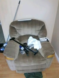 Recliner Chair Edmonton, T5B 1B3