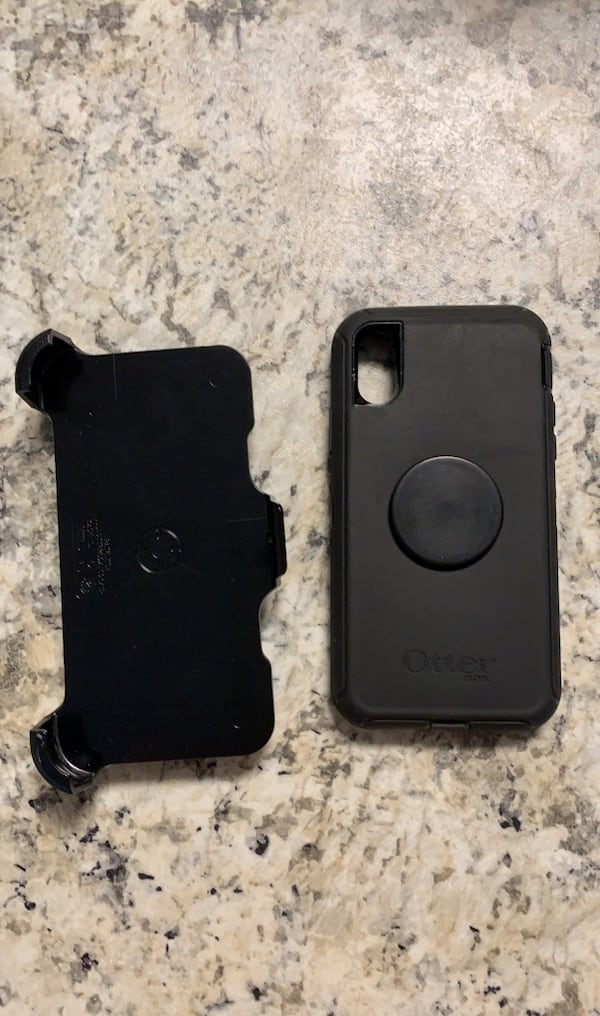 Otter box defender pop socket edition with belt clip for iPhone X/Xs 714ec42f-f446-4653-b2d5-ccb0e2fa7af2
