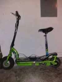 green and black kick scooter Marysville, 98270