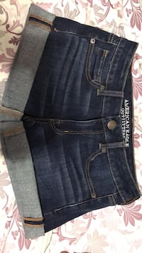 size 2 American eagle denim shorts Burnaby, V5J 4J3