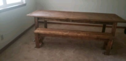 dinning room table  with 2 benches