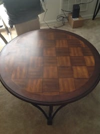 Round Wood Coffee Table District Heights, 20747