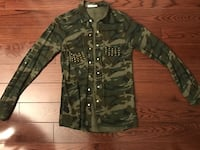 Army print button up  Mississauga, L5T 1Y2