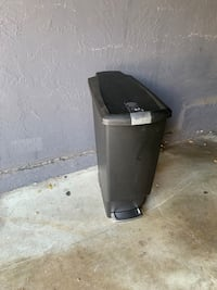 Trash can Oakland, 94611