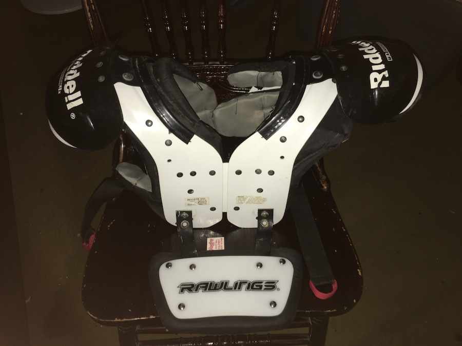 Photo Riddell Warriors Shoulder Pads