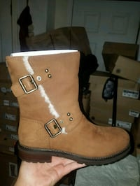 pair of brown leather boots Salinas, 93905