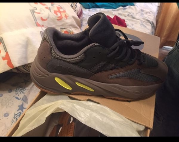 new product 50ba3 447ff Adidas Yeezy Boost 700 mauve