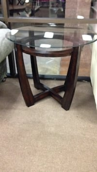 Set of two side tables  Merced, 95348