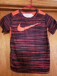 Red dry fit Nike shirt Loretto, 38469