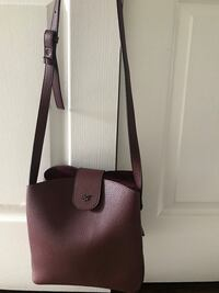 Crossbody purse ,excellent condition