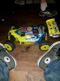 Nitro RC Buggys and trucks an boats