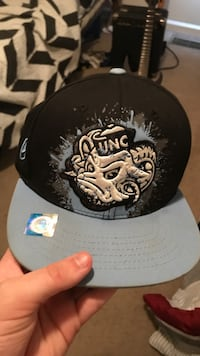 black and white fitted cap Greenville, 28590