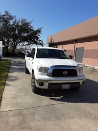 2007 Toyota Tundra off road 5.7 liter V8 Houston