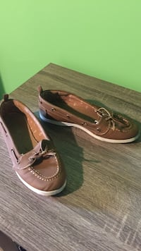 pair of brown leather boat shoes Thunder Bay, P7A