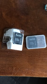 two black and white USB flash drives Albuquerque, 87112