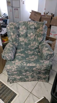 Beautiful Accent Floral Fabric Chair Mississauga, L5M 4S9