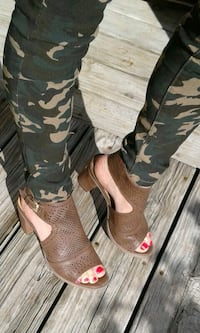 pair of black-and-brown camouflage boots Bardstown, 40004