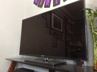 Samsung 46 in smart tv with 3D  Vancouver, V5X 1E5