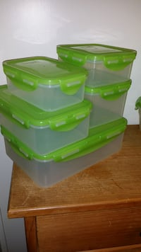 (8) LOCK & LOCK CONTAINERS