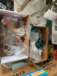 Jewelry - assorted lot of women jewelry Mississauga