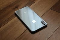 iPhone X Silver 256GB with Apple Care+  马卡姆