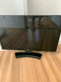 24 inch LG smart TV with remote and HDMI port  Washington