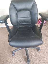 desk chair Edmonton, T5K 1P8