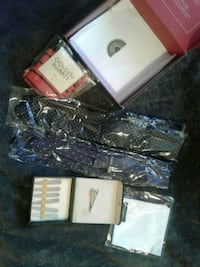 Gentlemen's Accessories new in box  Dutch Brook, B1L 1E9